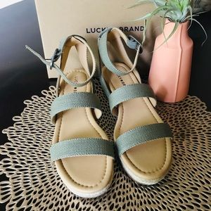 NWOT Lucky Brand Green Espadrille Sandals